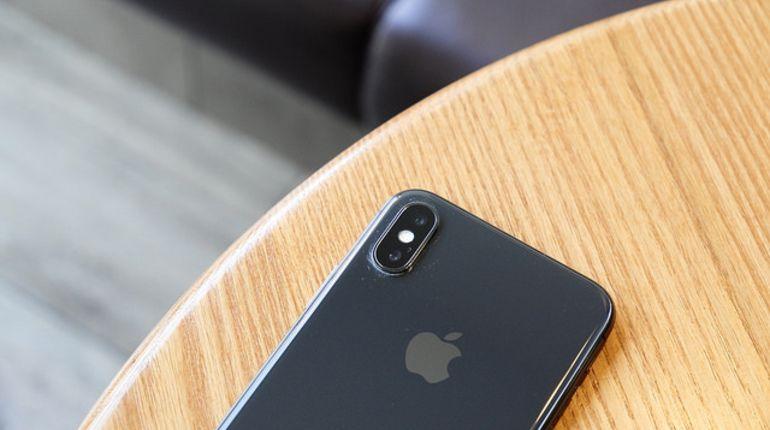 Apple умышленно замедляют работу старых айфонов