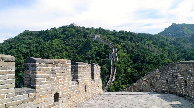 Десятки петербургских туристов до сих пор не могут выехать из Китая