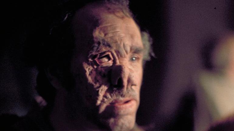 Актер Элфи Кертис, который сыграл доктора Корнелиуса Эвазана в одном из эпизодов космической саги