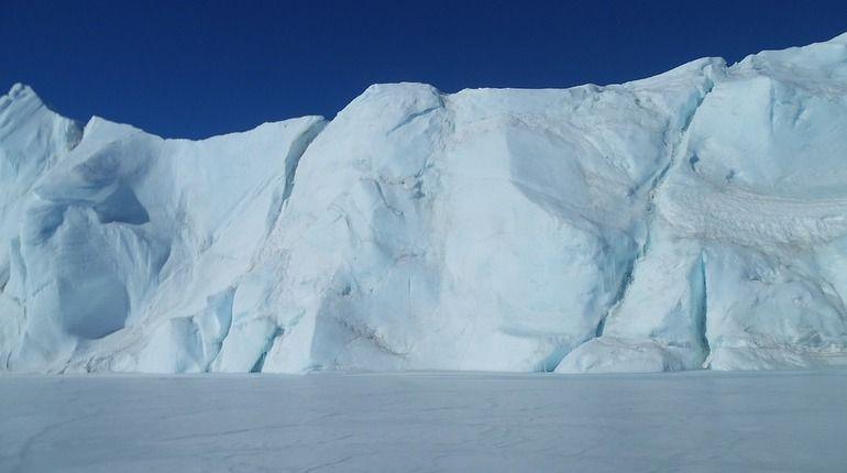 Выставка фотографий, посвященная 197-летию со дня открытия Антарктиды русской экспедицией Беллинсгаузена и Лазарева, будет запущена в Петербурге.