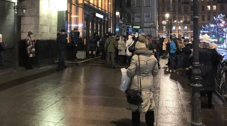 Настанции метро «Горьковская» вПетербурге поменяется режим работы наземного вестибюля