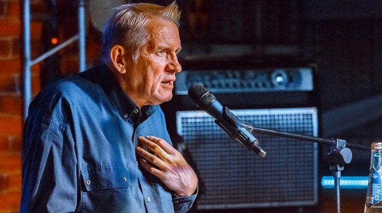 Олег Гаркуша прочтет стихи в «Баре мертвых поэтов»