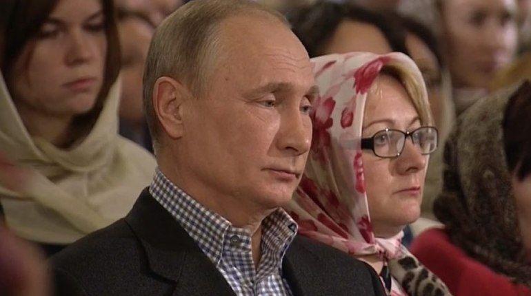 Владимир Путин встречает Рождество вПетербурге