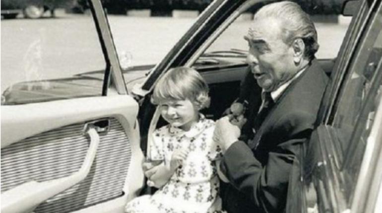 Умершую от рака внучку Брежнева похоронили в Москве